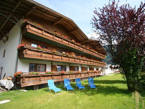 Tirol First Mountain Hotel Zillertal